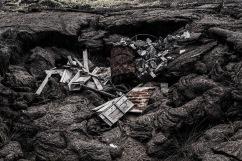 En varios sectores de las isalas pobladas, los botaderos de basura son las vastas extensiones de capa volcánica que forman el lugar.